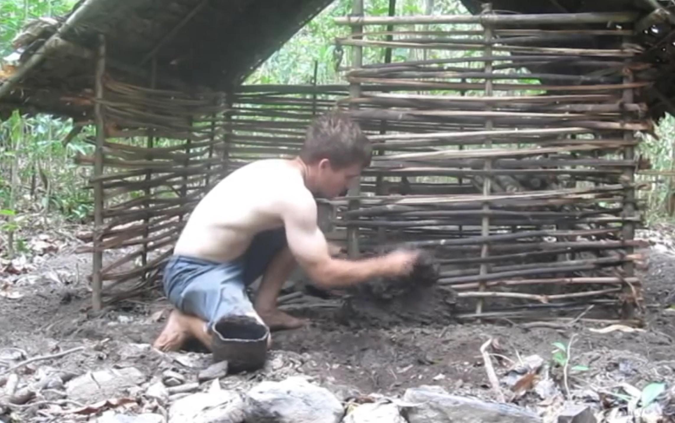 Turbo Regardez comment construire une maison en torchis à partir de rien  ZB52