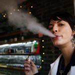 La cigarette électronique pourrait aussi provoquer des maladies pour la santé – mais bien moins graves que le tabac
