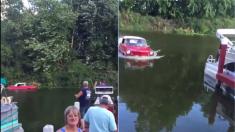 La famille voit un «bateau étrange» flottant sur le lac – quand il se rapproche du quai, ils commencent à filmer
