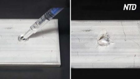 Un chimiste de YouTube verse du mercure liquide sur une plaque d'aluminium – ce qui arrive ensuite est très agréable à voir!