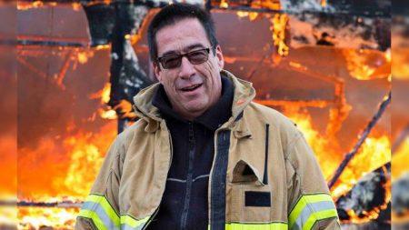Ce pompier prend son appareil photo à chaque feu. La raison en est inimaginable: «Ça m'a torturé»