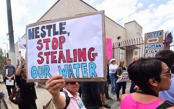 Un petit village américain résiste à Nestlé et défend son eau