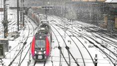 Retour de la neige à Paris: la préfecture recommande d'éviter les déplacements en voiture en IDF