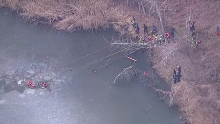 Un garçon de 11 ans meurt après avoir sauvé son ami d'un étang gelé