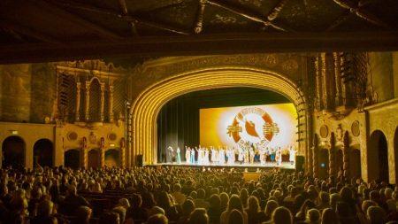 Les politiciens et les intellectuels danois condamnent l'interférence du régime chinois avec le spectacle Shen Yun