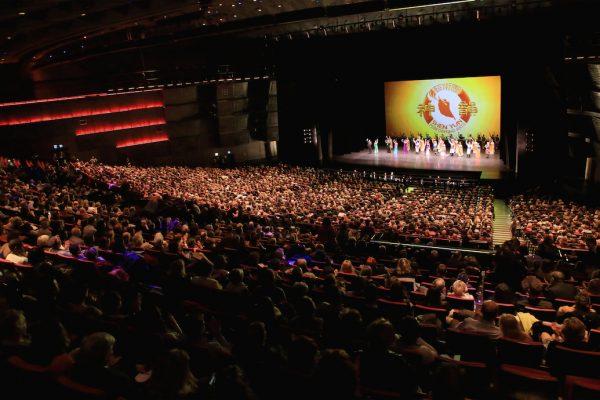 Shen Yun: «Le spectacle a conquis toute la salle, les gens sont étonnés, émerveillés, c'était vraiment formidable»