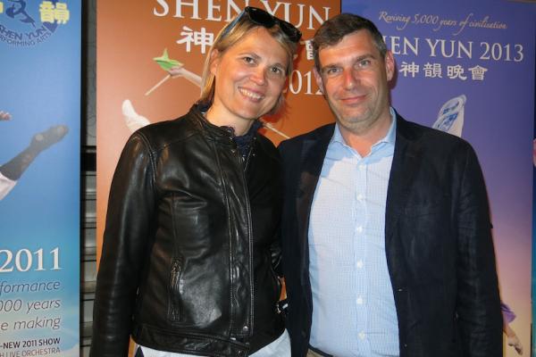 Avec Shen Yun, une spécialiste de la recherche médicale explore «le domaine du divin»