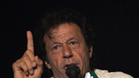 Pakistan: l'ex-champion de cricket Imran Khan élu Premier ministre
