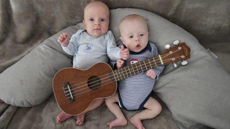 Un couple du Val d'Oise s'exprime sur la «très grande chance» d'avoir des jumeaux dont un trisomique