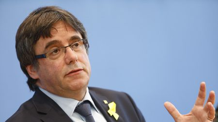 Crise catalane: Puigdemont plaide pour une médiation de Donald Tusk