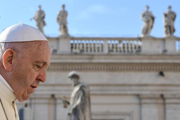 Le pape compare l'avortement au recours à un «tueur à gages» dans son discours sur la place Saint-Pierre