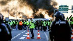 Caen: gaz lacrymogènes pour disperser un millier de gilets jaunes