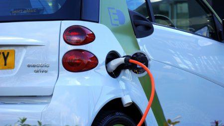 La voiture électrique pollue bien plus qu'on ne l'imagine – Voici pourquoi