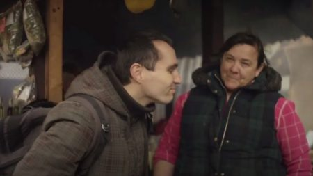 UKRAINE – Handicapé, son pays ne l'a pas reconnu en tant que personne, mais il réussit quand même à apprécier la vie