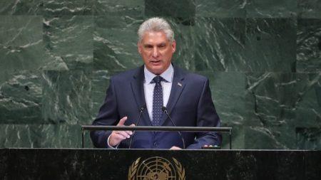 Cuba renoue les liens avec la Russie et le bloc communiste