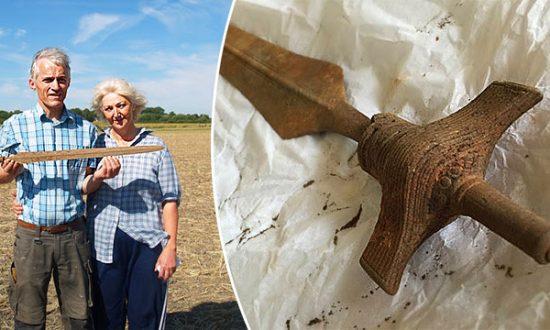 Une épée de 3 000 ans de l'époque précédent les Vikings, bien conservée et déterrée au Danemark et encore bien aiguisée