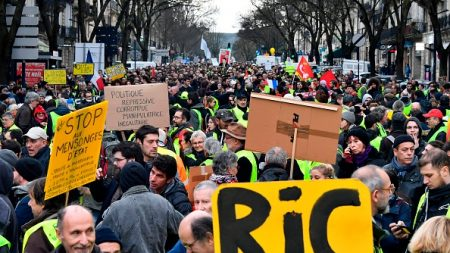 Acte X des gilets jaunes: les chiffres du syndicat France Police largement supérieurs à ceux du ministère de l'Intérieur