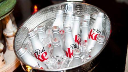 FLASH NEWS – Boire deux boissons diététiques par jour est associé à des risques élevés d'accident vasculaire cérébral