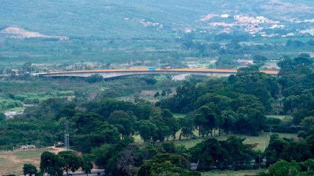Le Venezuela ordonne la fermeture de sa frontière avec la Colombie dans la zone de Cucuta