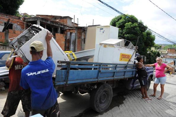 Brésil: évacuations «préventives» près de deux barrages miniers