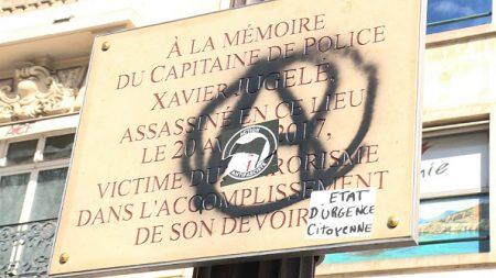 Plaque commémorative dédiée à Xavier Jugelé dégradée: écœurement des policiers, appel à des rassemblements
