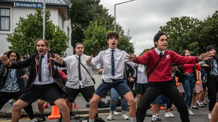 Des hakas puissants exécutés à travers la Nouvelle-Zélande en hommage aux victimes de l'attaque de Christchurch