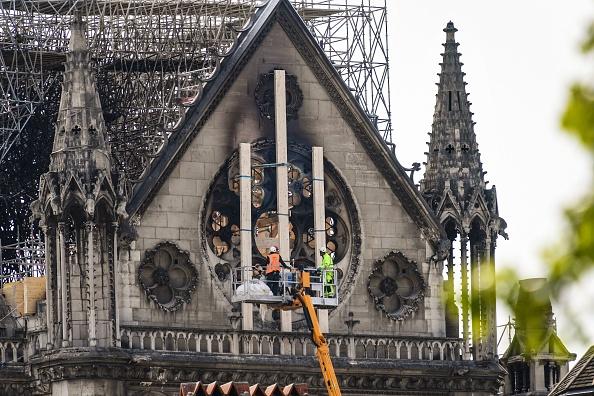 Notre-Dame: fidèle au passé ou novatrice, la flèche échauffe les esprits