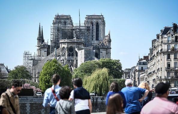 Notre-Dame: les Français désirent renouer avec leur histoire
