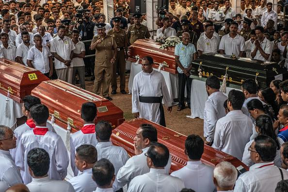 Au Sri Lanka, défilé de cercueils et tristesse infinie