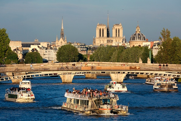 «Notre-Dame de Paris», chef-d'oeuvre d'Hugo qui sauva la cathédrale