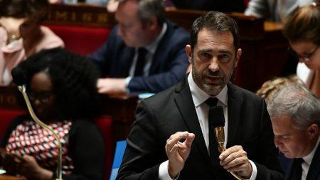 Christophe Castaner saisit la justice après la diffusion du clip «Douce France» de Konrad appelant à brûler la France