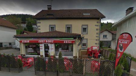 Vosges: il menace les clients d'un restaurant, brise la vitrine d'un coup de poing et se vide de son sang