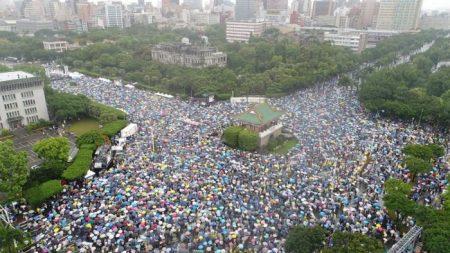 Des milliers de Taïwanais se mobilisent contre l'infiltration de Pékin dans les médias
