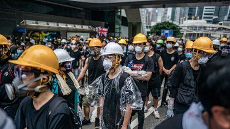 Hong Kong: des centaines de manifestants toujours dans la rue