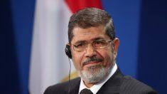 L'ex-président égyptien des Frères musulmans Mohamed Morsi meurt lors de son audience au tribunal