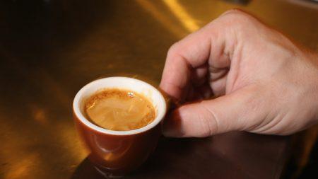 Deux expressos contre une maladie orpheline, c'est fort de café