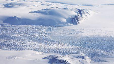 Non, le Groenland n'a pas perdu 40 % de sa glace en 24 heures le 13 juin, c'était seulement 0,0001%