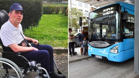 Un chauffeur d'autobus fait descendre tous ses passagers parce qu'ils refusent de faire de la place à une personne en fauteuil roulant